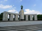 Постер, плакат: Berlin Soviet War Memorial