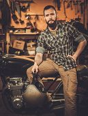 pic of carburetor  - Rider and his vintage style cafe - JPG