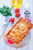 foto of lasagna  - lasagna in bowl and on a table - JPG