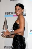LOS ANGELES - NOV 24:  Rihanna at the 2013 American Music Awards Press Room at Nokia Theater on Nove