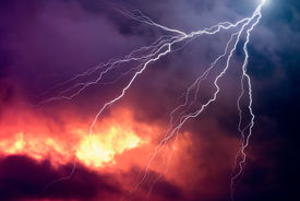 picture of lightning-rod  - Lightning in front of a dramatic background  - JPG