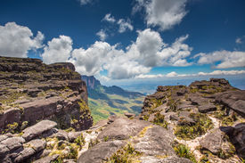 picture of canaima  - The view from the plateau of Roraima on the Grand Sabana  - JPG