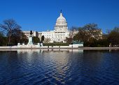 picture of capitol building  - The Capitol building in Washington D - JPG