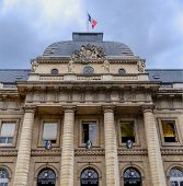 pic of liberte  - Facade of the Palace of Justice in Paris with the words liibert - JPG