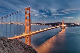 picture of gate  - The Golden Gate Bridge in San Francisco bay - JPG