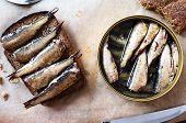 ������, ������: Sandwich With Sprats