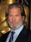 LOS ANGELES - FEB 7:  JEFF BRIDGES arrives to the 83rd Academy Awards Nominees Luncheon  on Feb 7, 2