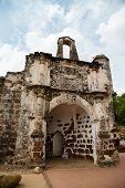 foto of malacca  - Porta de Santiago in Malacca - JPG