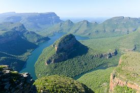 foto of three sisters  - Blyde River Canyon and The Three Rondavels  - JPG