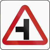 image of intersection  - Bruneian danger warning sign  - JPG