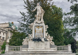 foto of mozart  - Vienna - JPG