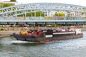picture of barge  - Paris - JPG