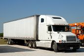 picture of semi-truck  - Large American semi truck in the United States - JPG