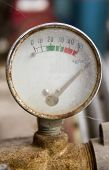 pic of meter  - Rusty Air compressor meter - JPG