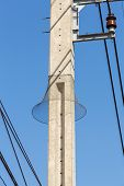 image of nylons  - Nylon mesh prevent snake to climb on electric pole - JPG