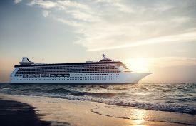 foto of passenger ship  - Yacht Cruise Ship Sea Ocean Tropical Scenic Concept - JPG