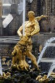 picture of samson  - Fountain Samson in great cascade Peterhof.