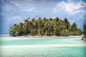 pic of pacific islands  - One of the many little island that surround the main island of Bora - JPG