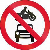 picture of motor vehicles  - Hong Kong sign prohibiting thoroughfare for all motor vehicles - JPG