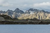 image of lofoten  - Mountain and ocen In Svolv - JPG