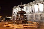 Постер, плакат: Лев фонтан в городе Порту