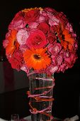 image of flower arrangement  - Wedding Table flower arrangement with pink roses - JPG