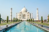 picture of mausoleum  - The Taj Mahal  - JPG