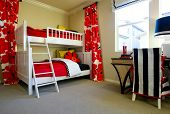 picture of bunk-bed  - Little girl - JPG