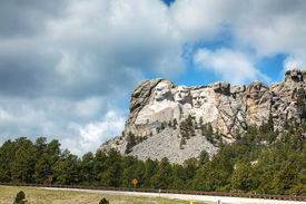 picture of mount rushmore national memorial  - Mount Rushmore monument in South Dakota in the morning - JPG