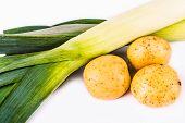 foto of leek  - potato and leek on a white background - JPG