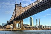 image of movable  - The Roosevelt Island Bridge is a lift bridge that connects Roosevelt Island in Manhattan to Astoria in Queens crossing the East Channel of the East River.