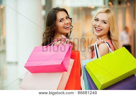 Happy Friends Shopping.