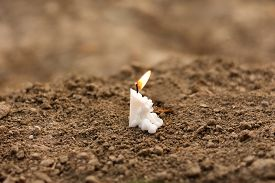 foto of funeral  - Candle on earth funeral - JPG