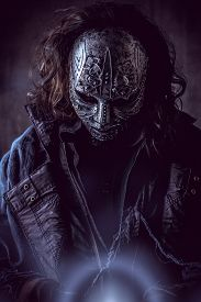 picture of steampunk  - Portrait of a mysterious man in iron mask - JPG