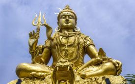 picture of shankar  - Huge majestic towering statue of Deity Shankar in Bangkok - JPG