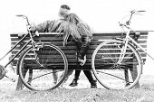 picture of bench  - Couple on a bench  - JPG
