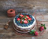 pic of roping  - Rustic spicy ginger cake with cream - JPG