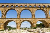 picture of aqueduct  - The Pont du Gard  - JPG