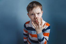 foto of finger-licking  - European - JPG