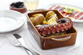 picture of devilfish  - grilled octopus with potatoes - JPG