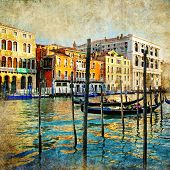 pic of gondolier  - romantic Venice  - JPG