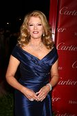 LOS ANGELES - 5 de JAN: Mary Hart llega en el 2013 Palm Springs International Film Festival Gala un
