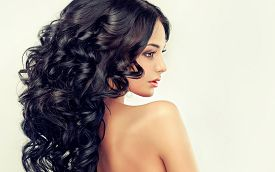 pic of big-bang  - Beautiful girl Fashion  model with long black  curled hair - JPG