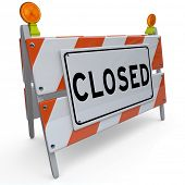 pic of off_road  - A construction barricade with the word Closed - JPG