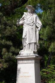 image of leopold  - Leopold Count of Kolonits sculpture on the Vienna Rathausplatz - JPG