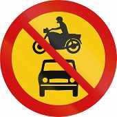 image of motor vehicles  - Road sign in Iceland  - JPG
