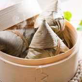 picture of food pyramid  - Hot rice dumpling or zongzi - JPG