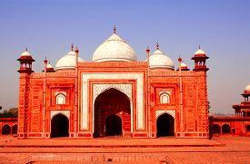 picture of mumtaj  - Masjid mosque near Taj Mahal mausoleum in Agra - JPG