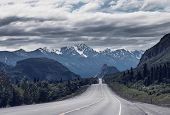 image of backwoods  - Dalton highway on Alaska - JPG