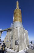 pic of lightning-rod  - view of the lightning rod located at the top of the Mount Aguille du Midi - JPG
